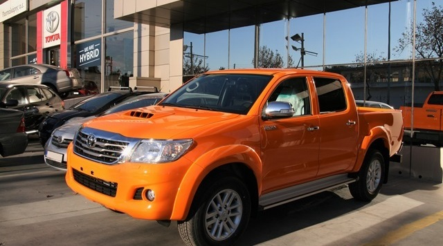Paspaliaris - Hilux orange